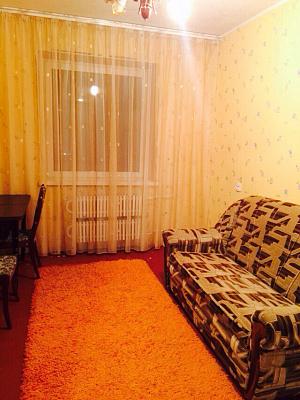 2-комнатная квартира посуточно в Днепродзержинске. ул. Независимости, 29. Фото 1