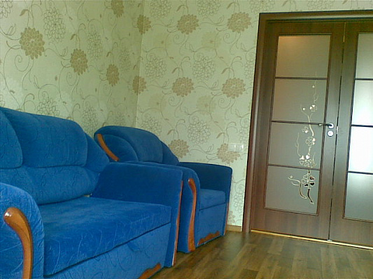 1-комнатная квартира посуточно в Днепропетровске. Самарский район, пер. Левобережный, 3. Фото 1