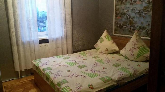 4-комнатная квартира посуточно в Виннице. Замостянский район, ул. Винниченко, 22. Фото 1