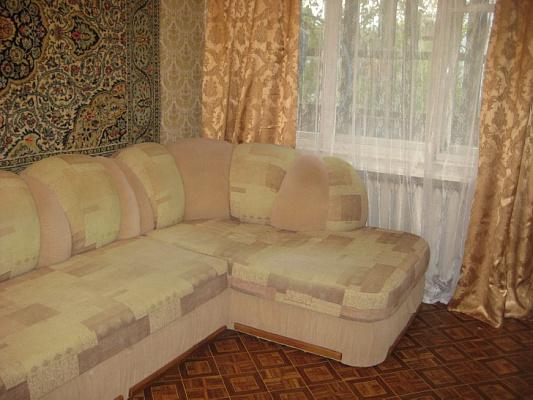 1-комнатная квартира посуточно в Евпатории. ул. Фрунзе, 28. Фото 1
