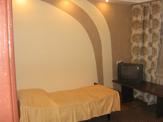 2-комнатная квартира посуточно в Запорожье. Ленинский район, Бельфорский бул.. Фото 1