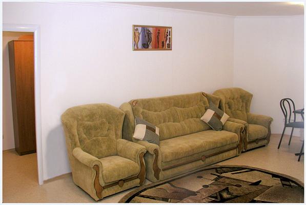 2-комнатная квартира посуточно в Херсоне. Суворовский район, ул. Московская, 3. Фото 1