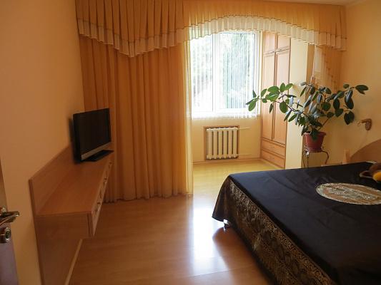 2-комнатная квартира посуточно в Партените. ул. Партенитская, 9. Фото 1