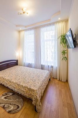 2-комнатная квартира посуточно в Львове. Галицкий район, ул. Пильникарская, 4. Фото 1