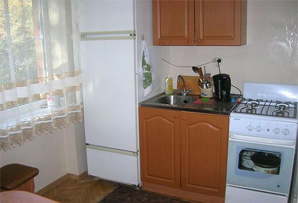 1-комнатная квартира посуточно в Керчи. ул. Свердлова, 39. Фото 1