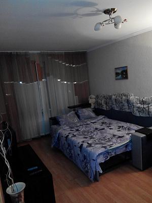 1-комнатная квартира посуточно в Лубнах. пр-т Владимирский (ул. Советская), 101. Фото 1