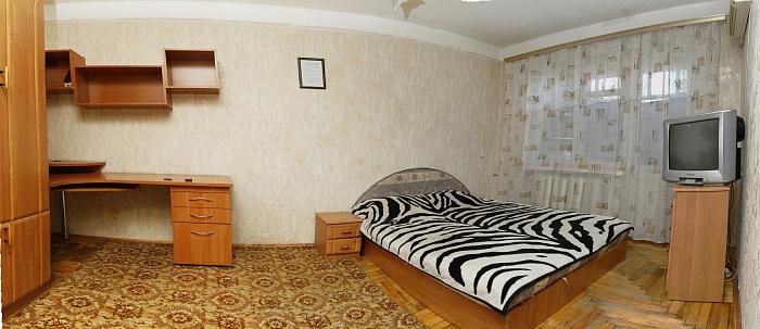 1-комнатная квартира посуточно в Запорожье. Жовтневый район, ул. Гоголя, 169. Фото 1
