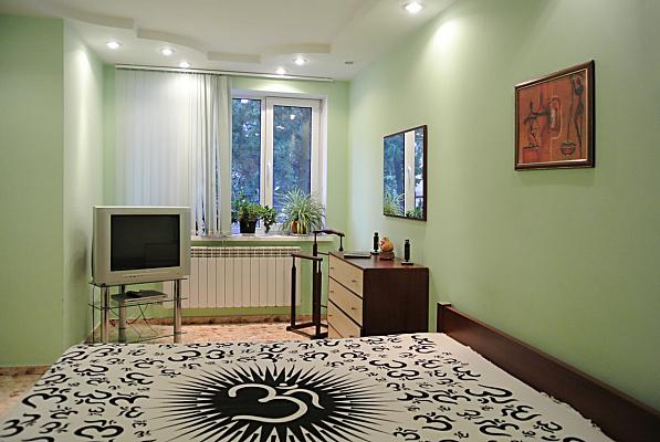 3-комнатная квартира посуточно в Ялте. Центр Ялты район, ул. Володарского, 5. Фото 1