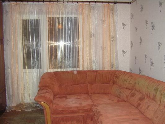 2-комнатная квартира посуточно в Харькове. Октябрьский район, ул.Конева, 9. Фото 1
