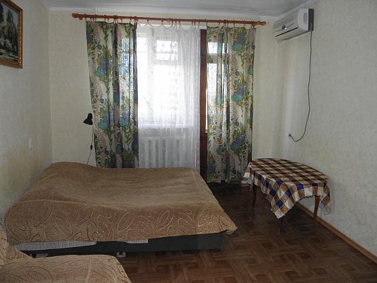 1-комнатная квартира посуточно в Евпатории. ул. Демышева. Фото 1