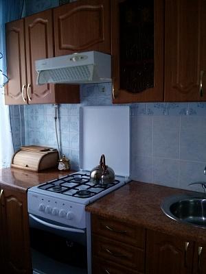 1-комнатная квартира посуточно в Нежине. ул. Синяковская, 75а кв 8. Фото 1