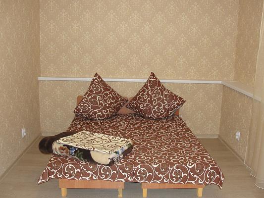 2-комнатная квартира посуточно в Алуште. пер. Базарный, 1. Фото 1