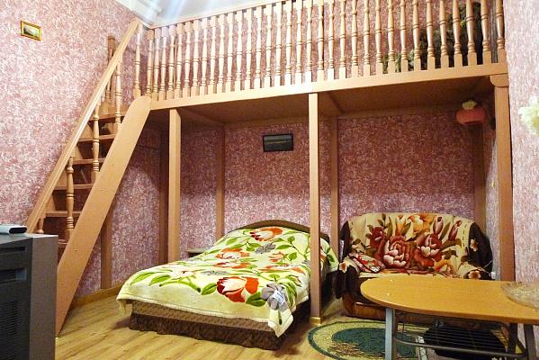 1-комнатная квартира посуточно в Симферополе. Центральный район, ул. Севастопольская, 34. Фото 1
