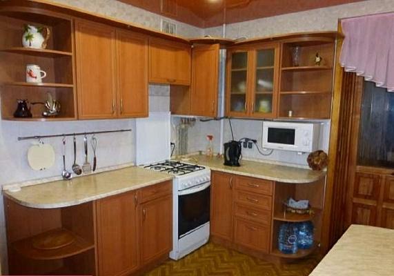 2-комнатная квартира посуточно в Севастополе. Гагаринский район, проспект Октябрьской революции, 23. Фото 1