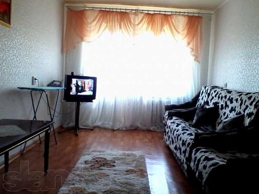 1-комнатная квартира посуточно в Днепропетровске. Бабушкинский район, просп.Гагарина, 90. Фото 1