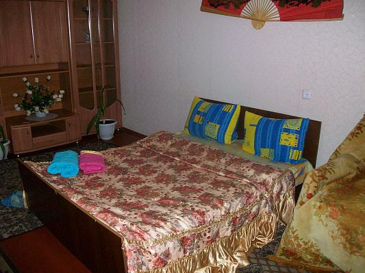 1-комнатная квартира посуточно в Ровно. ул. Дубенская, 44. Фото 1