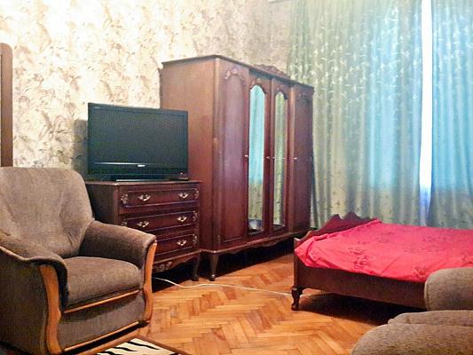 1-комнатная квартира посуточно в Киеве. ул. Большая Васильковская, 24. Фото 1