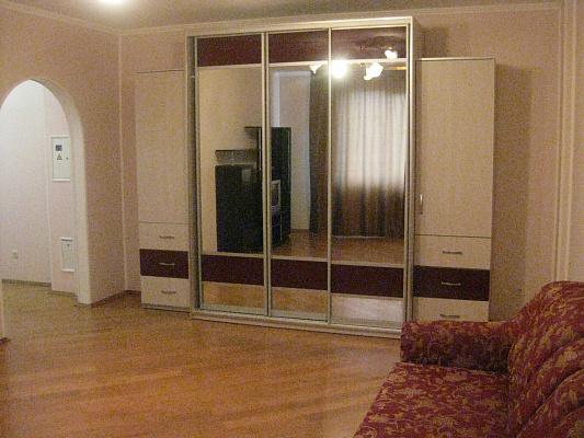 2-комнатная квартира посуточно в Виннице. Ленинский район, ул. Зодчих, 16. Фото 1