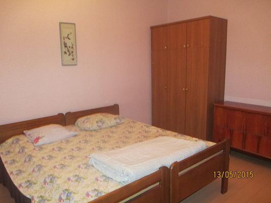 3-комнатная квартира посуточно в Евпатории. ул. Интернациональная, 6. Фото 1