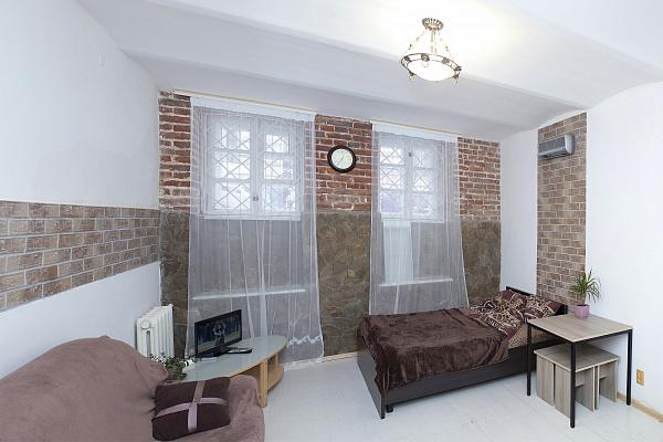 1-комнатная квартира посуточно в Львове. Лычаковский район, ул. Верхратского, 5. Фото 1