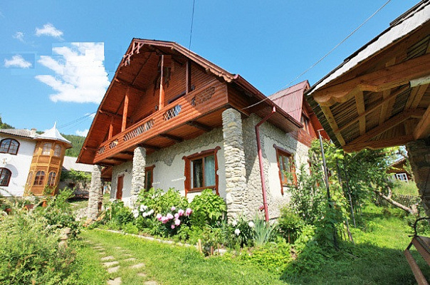 Дом  посуточно в Верховине. ул. Федьковича, 14. Фото 1