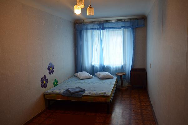 2-комнатная квартира посуточно в Полтаве. Октябрьский район, ул. Ивана Мазепы, 26. Фото 1