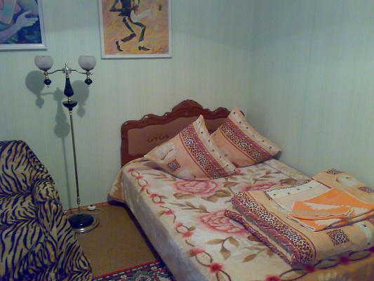 1-комнатная квартира посуточно в Южноукраинске. ул. Мира, 16. Фото 1