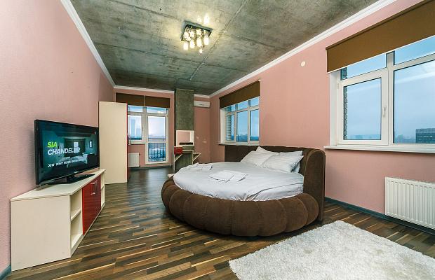 2-комнатная квартира посуточно в Киеве. ул. Антоновича, 72. Фото 1