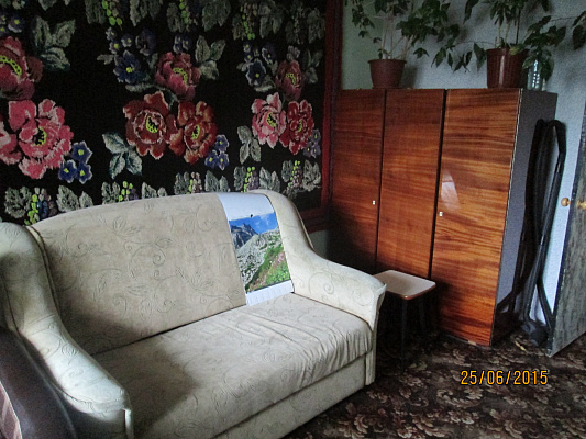 2-комнатная квартира посуточно в Бердянске. АЗМОЛ Степанянца, 2. Фото 1