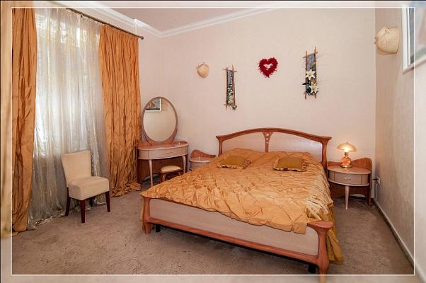 2-комнатная квартира посуточно в Харькове. Киевский район, ул.Пушкинская, 54. Фото 1