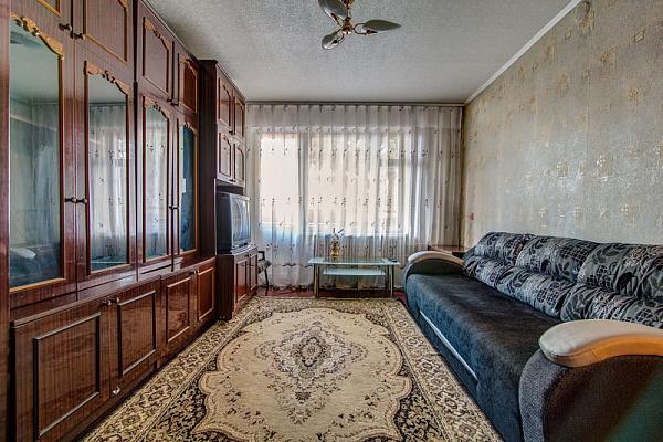 1-комнатная квартира посуточно в Днепропетровске. Амур-Нижнеднепровский район, ул. Березинская, 23. Фото 1