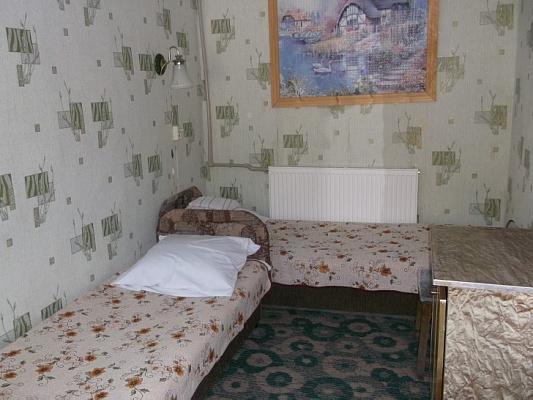 Комната  посуточно в Феодосии. ул. Старокарантинная, 18. Фото 1