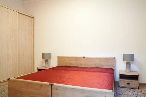 2-комнатная квартира посуточно в Львове. Галицкий район, ул. Михаила Грушевского, 12. Фото 1