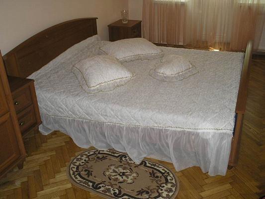 2-комнатная квартира посуточно в Черкассах. Гоголя-Пастеровская. Фото 1