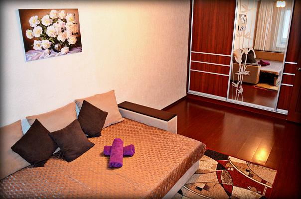 1-комнатная квартира посуточно в Ровно. ул. Богоявленская, 4. Фото 1