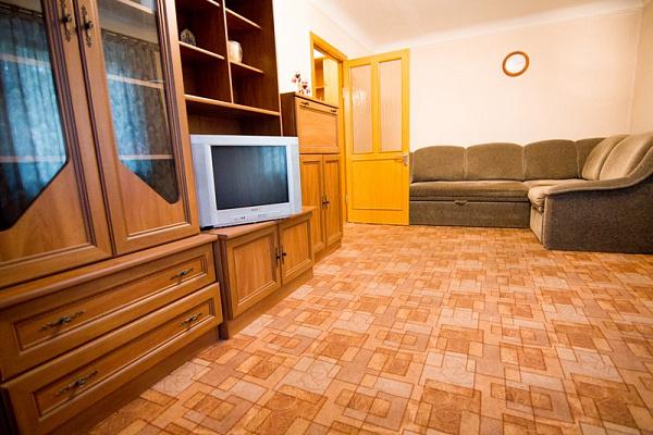 1-комнатная квартира посуточно в Днепропетровске. Октябрьский район, ул. Телевизионная, 2. Фото 1