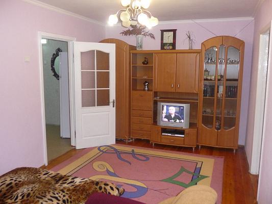 2-комнатная квартира посуточно в Запорожье. Шевченковский район, ул. Фортечная, 90-А. Фото 1