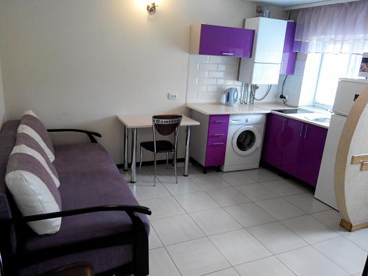 2-комнатная квартира посуточно в Хмельнике. ул. Сосновая, -. Фото 1