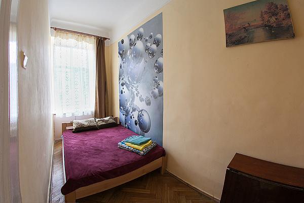 2-комнатная квартира посуточно в Львове. Галицкий район, пр-т Шевченко, 12. Фото 1
