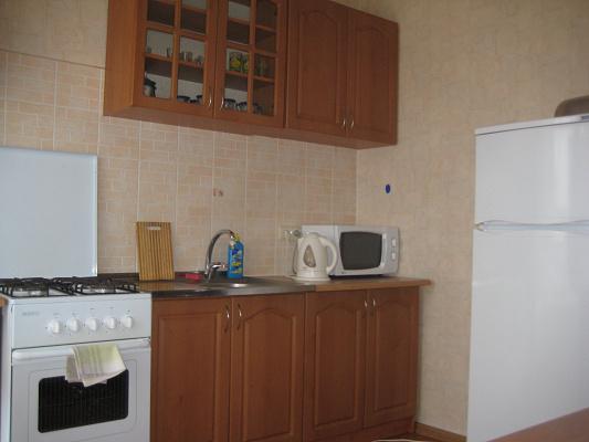 1-комнатная квартира посуточно в Кременчуге. ул. Бутырина, 25. Фото 1