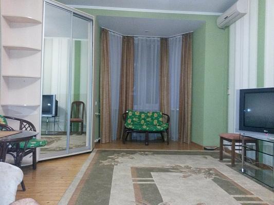 2-комнатная квартира посуточно в Запорожье. Орджоникидзевский район, ул. Мира, 18. Фото 1