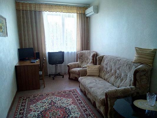 2-комнатная квартира посуточно в Феодосии. Симферопольское шоссе, 24-в. Фото 1