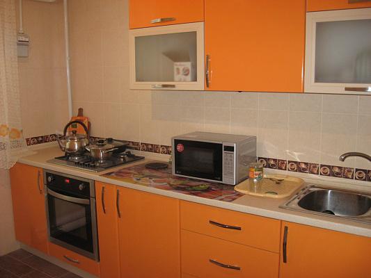 2-комнатная квартира посуточно в Евпатории. 13 Ноября, 81. Фото 1