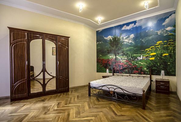 2-комнатная квартира посуточно в Львове. Галицкий район, ул. Тадеуша Костюшко, 20. Фото 1