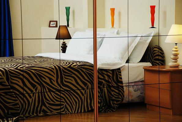 3-комнатная квартира посуточно в Киеве. Печерский район, ул. Лютеранская, 12. Фото 1
