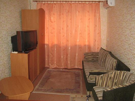 1-комнатная квартира посуточно в Херсоне. Суворовский район, пр-т Ушакова, 60. Фото 1