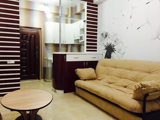 1-комнатная квартира посуточно в Севастополе. Гагаринский район, ул. Фадеева, 48. Фото 1