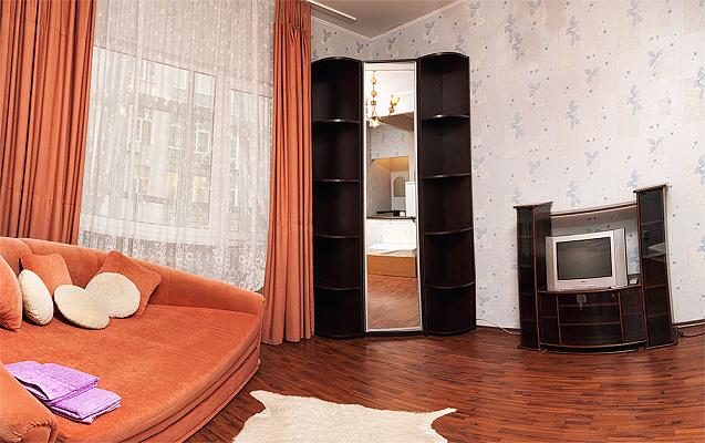 1-комнатная квартира посуточно в Киеве. Шевченковский район, Саксаганского, 121. Фото 1
