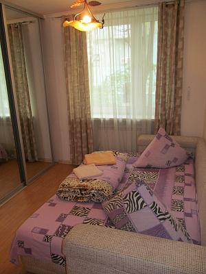 2-комнатная квартира посуточно в Измаиле. пр-т Ленина, 32. Фото 1