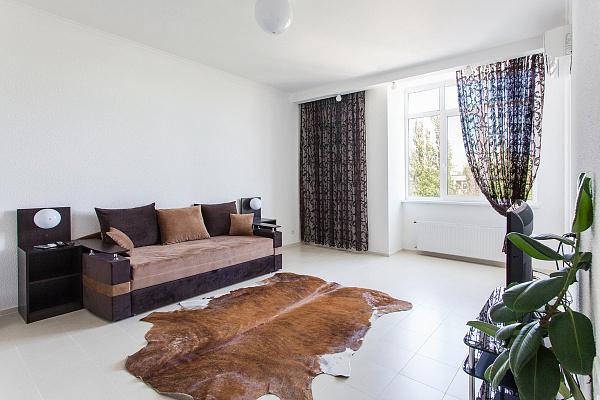 2-комнатная квартира посуточно в Одессе. Приморский район, б-р Французский, 22 корпус 1. Фото 1